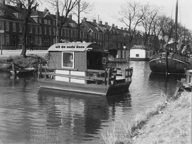 Bedumerweg/Boterdiep Groningen, met pontje naar de overkant. 1933