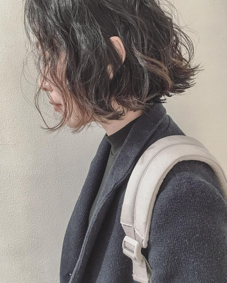 いいね!681件、コメント2件 ― 安藤圭哉 SHIMA PLUS1 stylistさん(@andokeiya)のInstagramアカウント: 「実際にパーマをかけた切りっぱなしだけどくせ毛感をだした、ウェットボブ . ブリーチやハイライトをされてる方でパーマを、かけれない方は巻き方まで直接お教えしますので安心してください…」