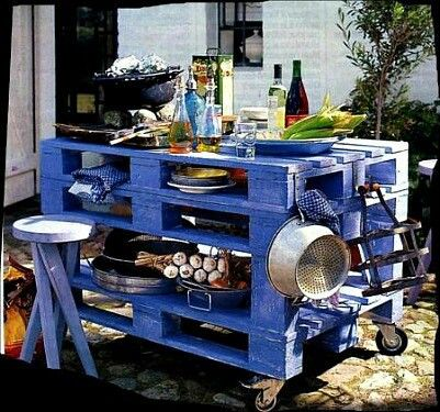 Outdoor cooking station