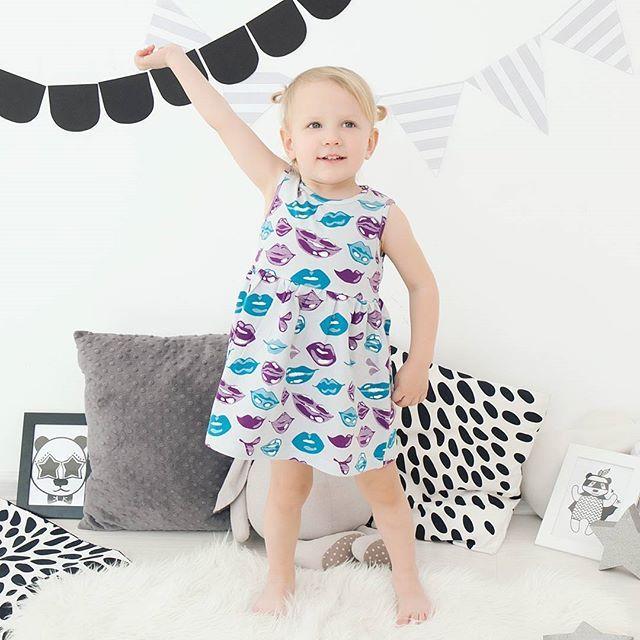 Платье с поцелуями💋💋💋 на лето идеальный вариант!  Трикотажное, мягкое, не мнется и очень удобное👍 🌸Размеры 86,92,98,104 🌸Цена: 990 руб.