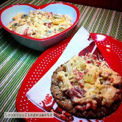 Lookcool...λεια γεύματα! : Κοτοσαλάτα με γιαούρτι