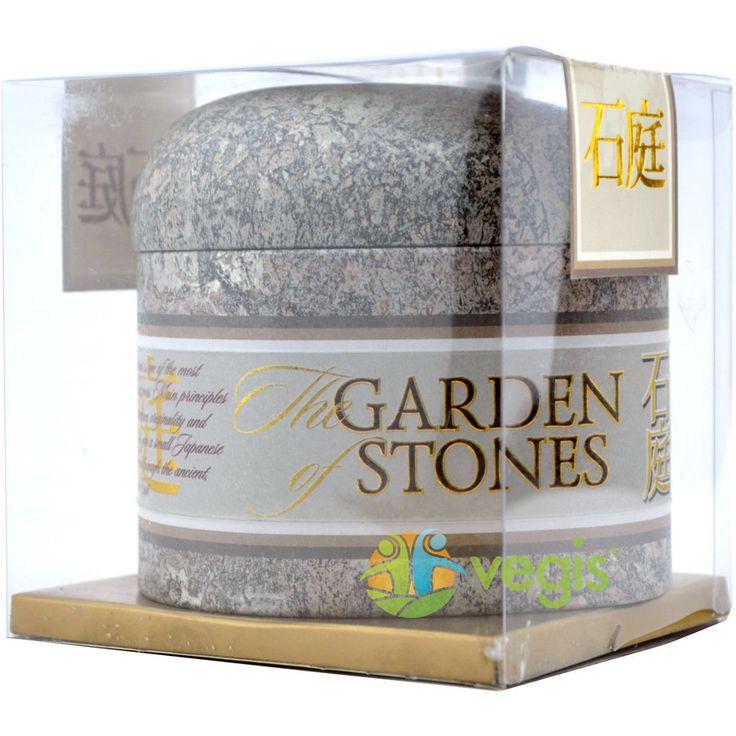 Ceai verde chinezesc Oolong, într-o cutiuţă metalică ce ulterior poate fi utilizată ca spaţiu pentru depozitarea lucrurilor mici.