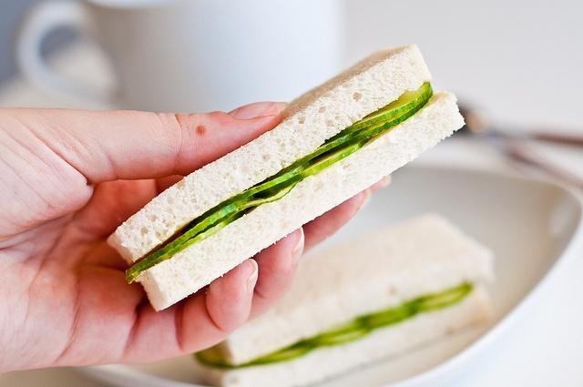 The Photokitchen — лучшие рецепты с фото - Анатомия сэндвича. Неделя 3. Традиционный сэндвич с огурцом