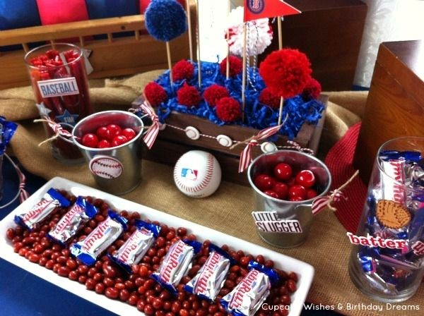 Baseball Themed Party Decorations  ~ was thinking milk and cookies for Hayden's first birthday but Baseball theme really makes more sense. :)