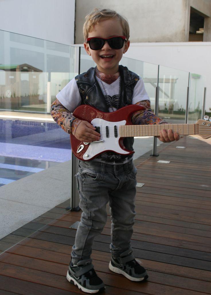 It's only rock'n roll but I like it Kids rock costume