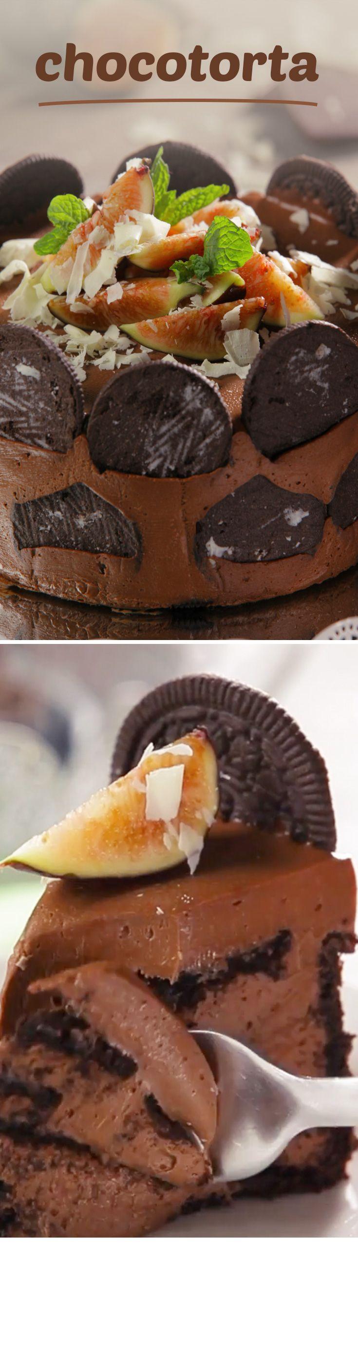 Pastel de chocolate con galletas Oreo para enamorar a esa persona especial en #sanvalentin. Este postre de chocolate sin horno es muy especial y totalmente delicioso.