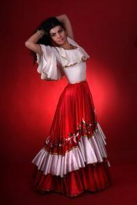 Театральный цыганский костюм