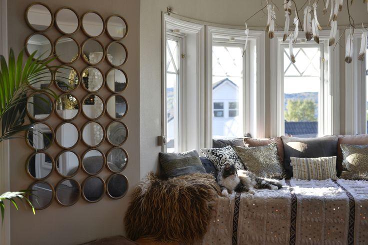 28 nye speil i stua