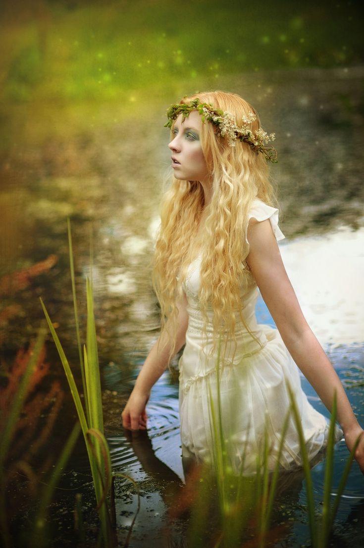 Water girl by Karolina Kotkiewicz  via litmind.com