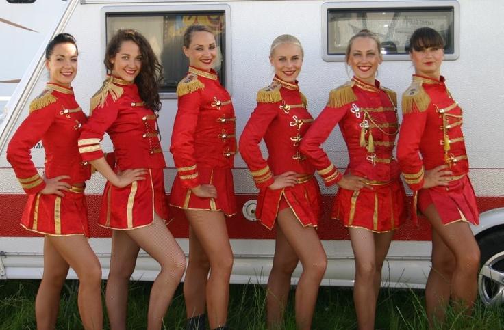 Cirkus Scott´s ballet dancers.