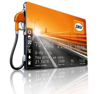 """Parteneriatul cu LUKOIL Romania dubleaza numarul statiilor de alimentare care accepta cardurile DKV // DKV Euro Service Romania a extins colaborarea cu LUKOIL Romania, astfel ca toti utilizatorii DKV Card vor putea alimenta fara numerar in oricare dintre cele peste 300 de statii de distributie carburanti operate de compania petroliera la noi in tara. """"Odata cu aceasta extindere a colaborarii cu LUKOIL, numarul total de benzinarii unde se poate alimenta cu DKV CARD in Romania"""