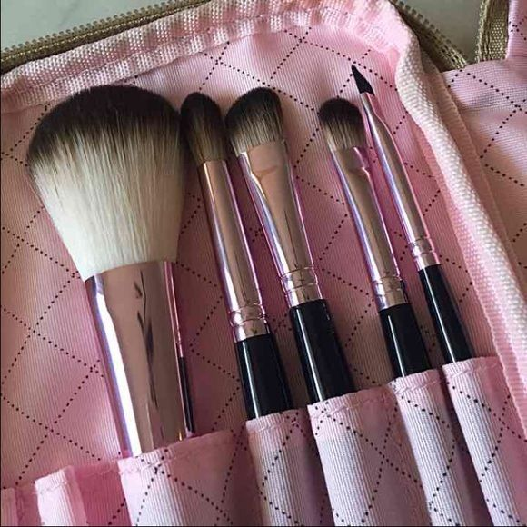 NIB Limited Edition Too Faced Brush Set with Case New. Never used. Limited Edition. 5 brushes with original Too Faced Pink and Gold case. 100% AUTHENTIC. Powder brush, blender, crease brush, liner or brow and smudger brush. No trades. Too Faced Makeup Brushes & Tools