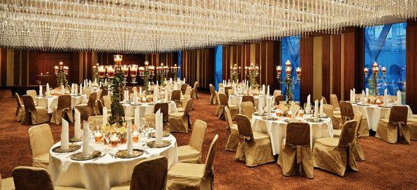 Jumeirah Frankfurt - Top 20 Hochzeitslocation Frankfurt #top #hochzeit #location #hochzeitslocation #top40 #frankfurt #weiß #romantik #chic #feiern #romantisch #wedding #special #bouquet #bride #groom #bridal