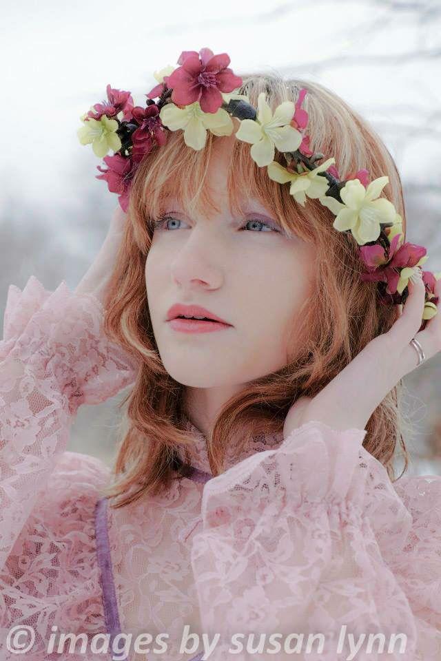 Winter vintage shoot. Model: Jessica Wright. Photographer: www.imagesbysusanlynn.com