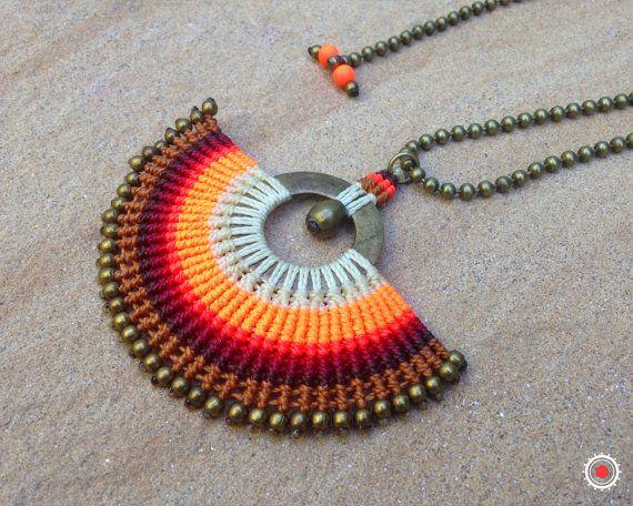 Orange. Collier pendentif réglable en par RitaPratesCaetano sur Etsy