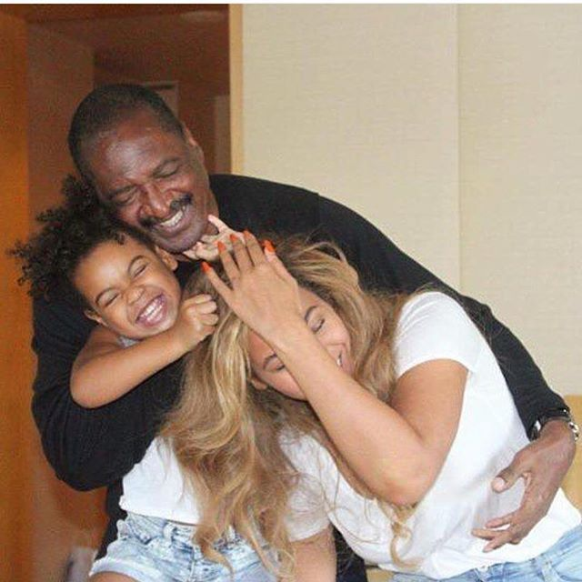Texas, Baby: The Knowles' Come Together For Family Time