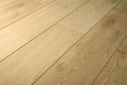 Balterio tradition quattro lounge oak 433 9mm balterio for Balterio laminate flooring liberty oak