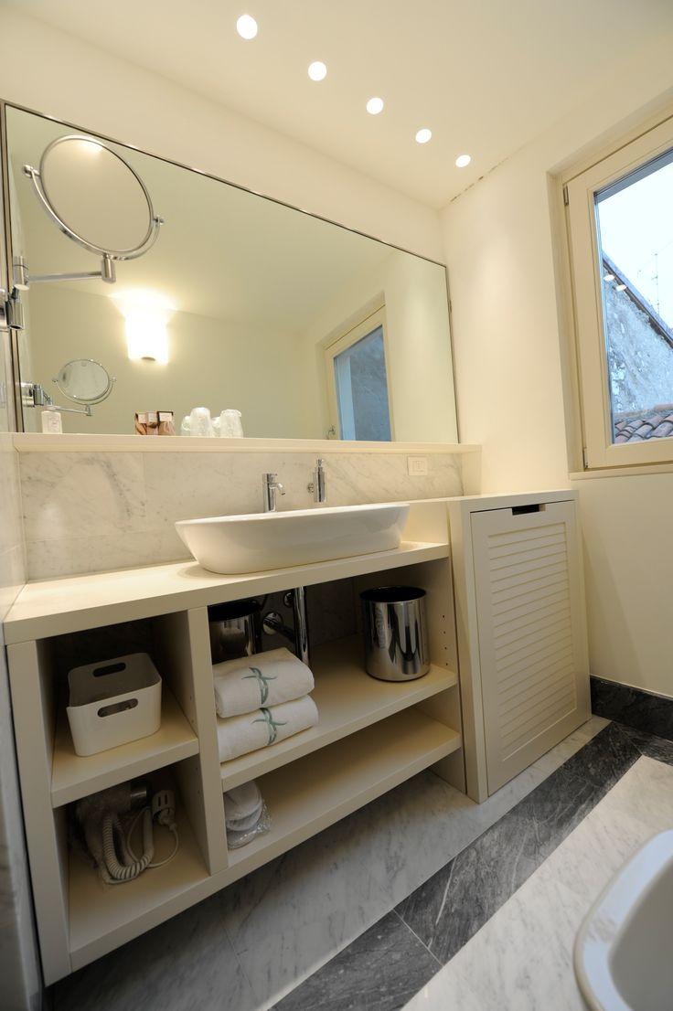 Oltre 1000 idee su rifacimento dello specchio del bagno su - Specchio bagno incassato ...