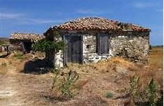 The old abandoned stone house on Lemnos island Stock Photo - 11371923