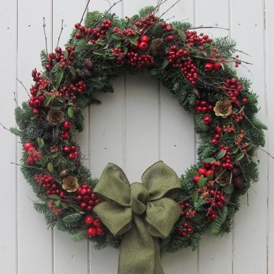 Happy Hedgerow Fresh Christmas Door Wreath