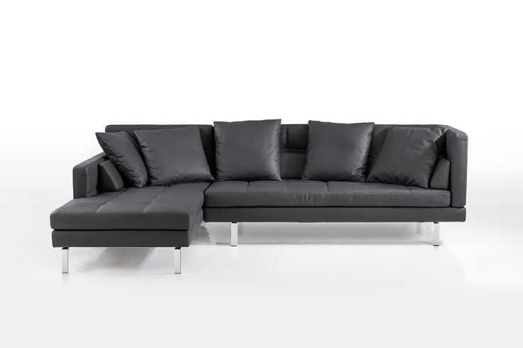 Die Amber Eckgruppe in schwarzem Leder von Brühl. The Amber corner sofa in black leather from Brühl.  #amber #brühl #sofa #eckgruppe #möbel #design #furniture #sofacouture #sofabed #funktionssofa #madeingermany #leather #fabric #interiordesign #luxury #comfort #style #cornersofa