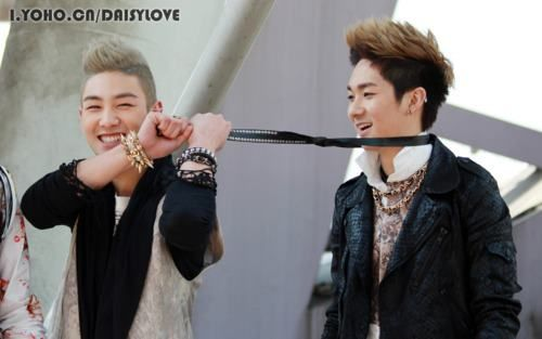BaekHo and Aron: New East Nu Estes, New East Nuest