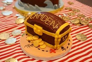 Treasure Chest - Smash cake for a first birthday with a pirate theme. Pirate Ship cake also in my gallery.