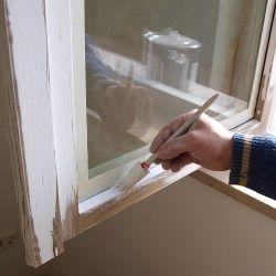 Flügel einhängen und Fenster streichen