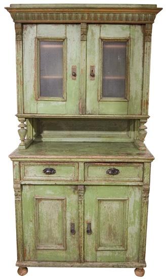 Love old furniture :)