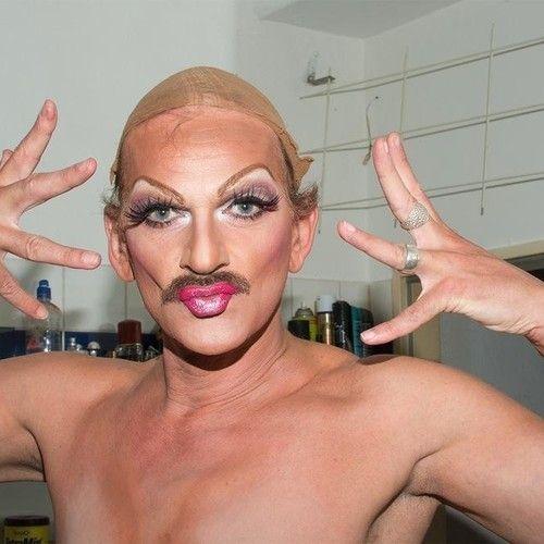 Passei o Dia do Orgulho Gay com a Drag Queen mais Famosa de Berlim