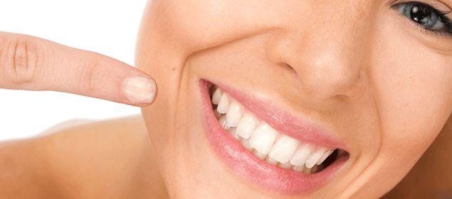 Domácí léky na bělení zubů | domácí Solutions - přírodní opravné prostředky a domácí