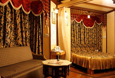 """Looking for Hotels in Shimla? Snow King Retreat is """"Best Resort in Shimla from Brands Academy – Service Excellence Award 2015. Luxury business hotel & Resotrts with meeting, conference facilities. Situated at an height of 9000 ft in the Himalayas at Shimla, #hotels #hotel #shimla #SnowKingRetreat #kufri #resorts"""