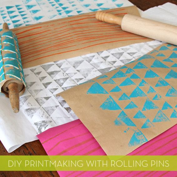 How to make your own #DIY printed wrapping paper with rolling pins! #awesomeDiy Prints, Wrapping Papers, Rolls Pin, Diy Gift, Gift Wraps, Rolling Pins, Prints Wraps, Wraps Paper, Crafts