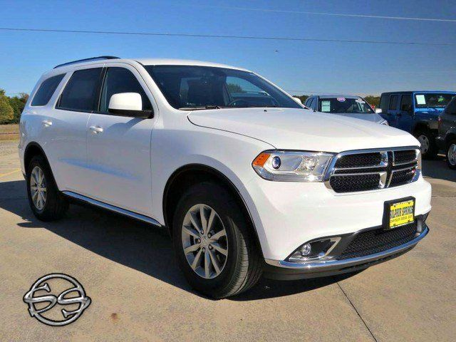 2017 Dodge Durango SXT! Third Row Seats and Looks to kill.