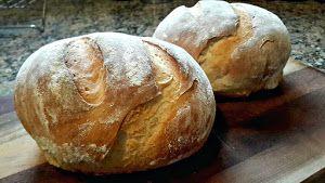 IVI COSSIO nos cuenta cómo podemos hacer pan casero sin gran dificultad. ¿A que te dan ganas de convertirte en todo un cocinero?