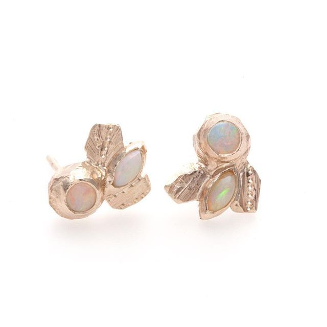 Opals and gold. Classic australiana.