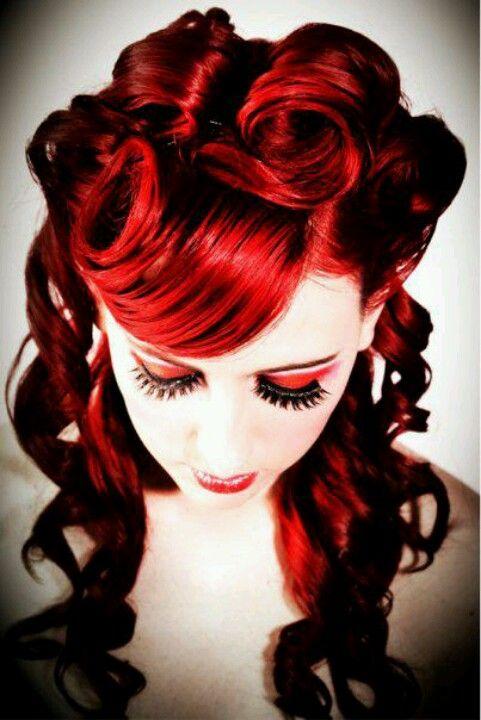 love her red hair! #wedding