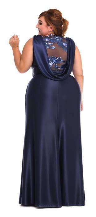 Vestido longo de crepe welsh e parte superior em tule com paetê. O decote V profundo valoriza o colo, ideal para mulheres que possuem bastante busto. Modelo sofisticado e sensual, ideal para ocasiões ...