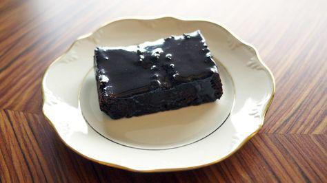 Brownie med søtpotet, avokado og dadler