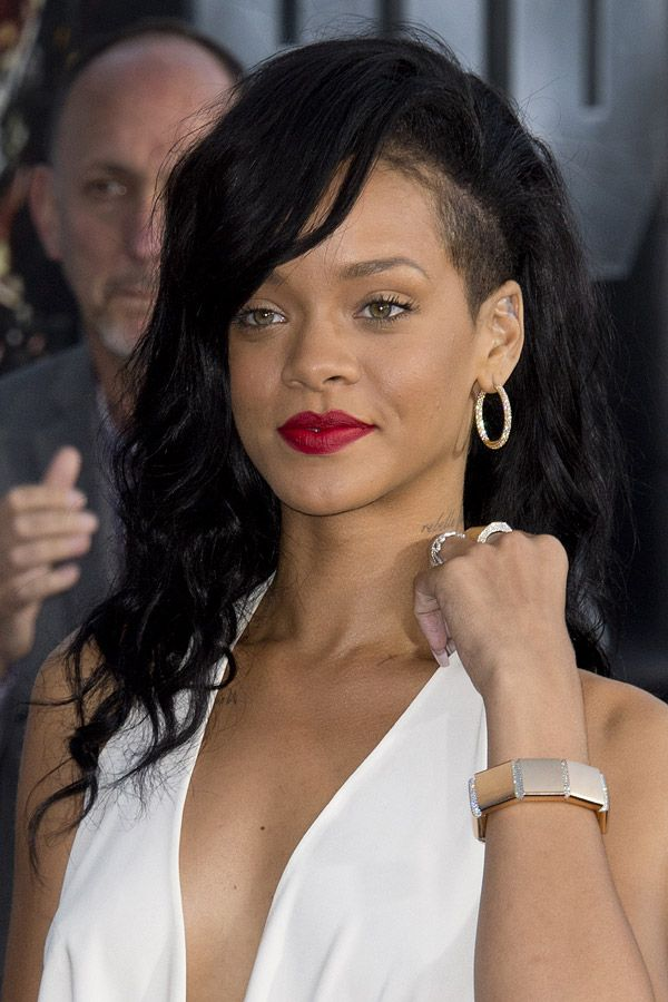 rihanna mit undercut bilder haare pinterest. Black Bedroom Furniture Sets. Home Design Ideas