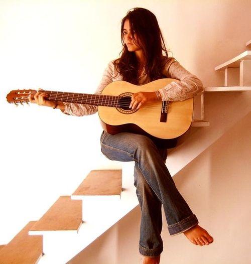 Joyce Jonathan Left-handed Guitar Player