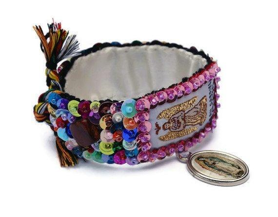 Pulsera con San Gabriel Arcángel, bordado con chaquira y lentejuela By Toshik
