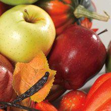 Syksyn sato Voimakkaat mausteet ja vasta kerätyt omenat bourbonilla ja kinuskilla maustettuna yhdistyvät herkulliseksi sadonkorjuun tuoksuksi.