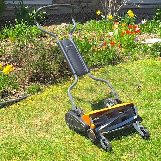 9 best fiskars staysharp max reel lawn mower review images on pinterest reel lawn mower lawn. Black Bedroom Furniture Sets. Home Design Ideas
