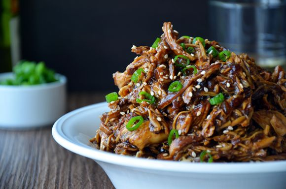 "SLOW COOKER HONEY GARLIC CHICKEN ""It's just like getting takeout from the local Chinese restaurant, except rather than waiting on the delivery guy, your dinner is waiting on you."" Just A Taste 