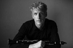 Шведский камерный оркестр объявил о том, что его новым главным дирижёром станет шведский кларнетист Мартин Фрёст (Marin Fröst). На музыкальном поприще музыкант был достаточно активен в последние годы, но это его первое назначение дирижёром. «Я и раньше пытался откры�