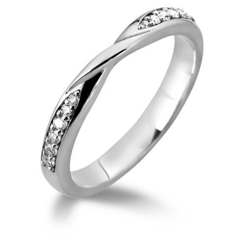 Think this would look great with my ring - Twist wedding band