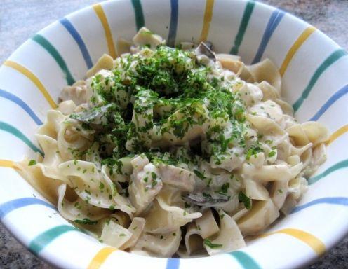 Kräuterseitlinge in veganer Sauce mit Pasta