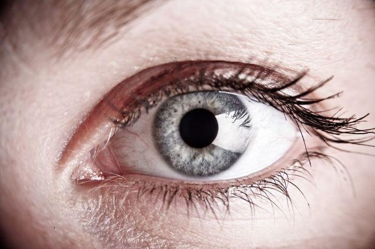 ¿Por qué revientan los vasos sanguíneos de los ojos? | Muy Fitness