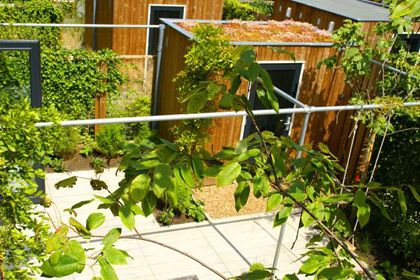 Pergola for vines made from Kee Klamp fittings. See more industrial pipe structures at http://www.simplifiedbuilding.com/projects/category/structures/ #KeeKlamp #industrialpipe #structure